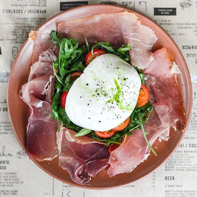 iO Italian Osteria - Antipasti/Starters - Chef's Special Burrata (💵S$38)  Burrata, Parma Ham, Rucola & Cherry Tomatoes.