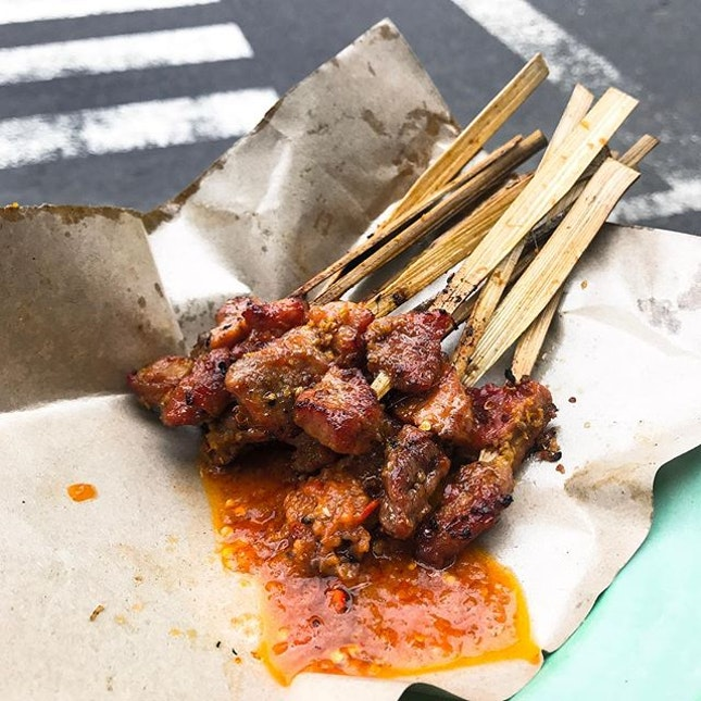 Bali Street Food Pork Sate (10,000 Rupiah /💵S$1 for 5pcs) 🥓 • ACAMASEATS & GTK💮: Good food and good eating are about risk, calculated risks.
