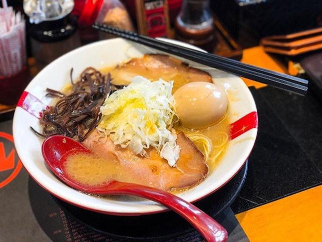 Ramen Nagi @ramennagisingapore - Original King (💵S$13.90 + Tamago Ramen Egg S$2) Tonkotsu Pork Broth prepared in the traditional method.