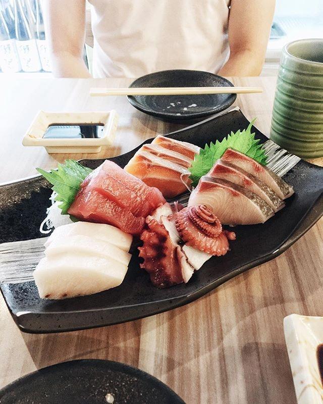 Still our fav place for sashimi  #sgfood #sgfoodies #burpple #instafood_sg #sgcafe #asiafoodprn  #iphoneonly #japanesefood #sashimi #おいしい  #foodvsco #f52grams #eeeeeats #huffposttaste #onthetable #buzzfeast #forkyeah #getinmybelly #food52 #feedfeed #lovefood #tastethisnext #eattheworld #foodandwine  #feedyoursoull #eatfamous #tastingtable #bestfoodworld #beautifulcuisines #dailyfoodfeed