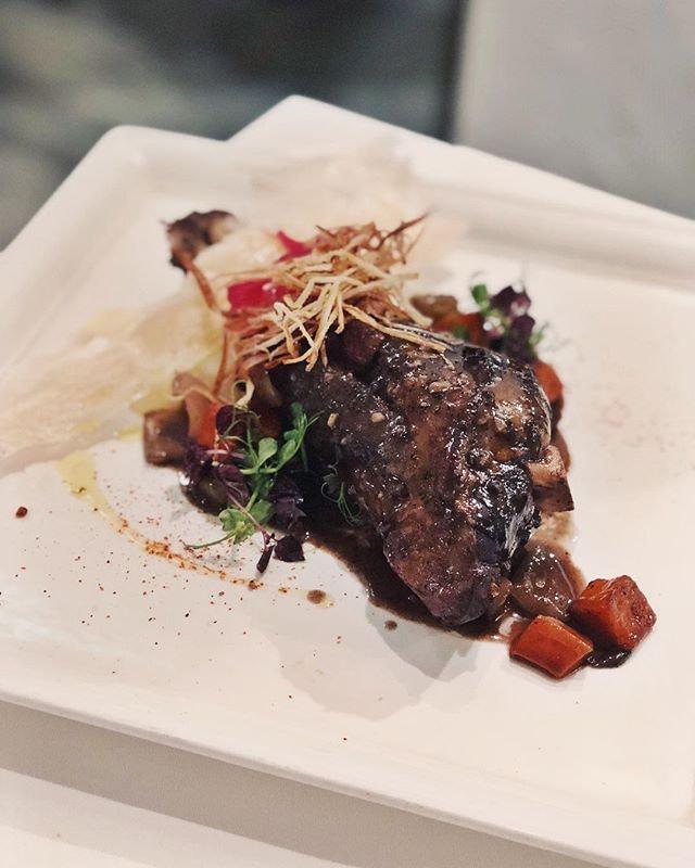Lamb shank, properly done 💕  #sgfood #sgfoodies #burpple #instafood_sg #sgcafe  #iphoneonly #iphonex #おいしい  #foodvsco #f52grams #eeeeeats #huffposttaste #onthetable #buzzfeast #forkyeah #getinmybelly #food52 #feedfeed #lovefood #tastethisnext #eattheworld #foodandwine #thekitchn #feedyoursoull #eatfamous #tastingtable #bestfoodworld #beautifulcuisines #dailyfoodfeed