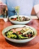 Been a while since we had @graintraders  That salmon was lovely 👌🏻 #sgfood #sgfoodies #burpple #instafood_sg #sgcafe  #iphoneonly #iphonex #おいしい  #foodvsco #f52grams #eeeeeats #huffposttaste #onthetable #buzzfeast #forkyeah #getinmybelly #food52 #feedfeed #lovefood #tastethisnext #eattheworld #foodandwine #feedyoursoull #eatfamous #tastingtable #bestfoodworld #beautifulcuisines #dailyfoodfeed