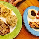 We had early dinner at Steakout because we were craving for steak since this morning!