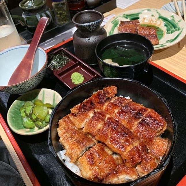 I love unagi, especially when it's grilled well with crisp edges.
