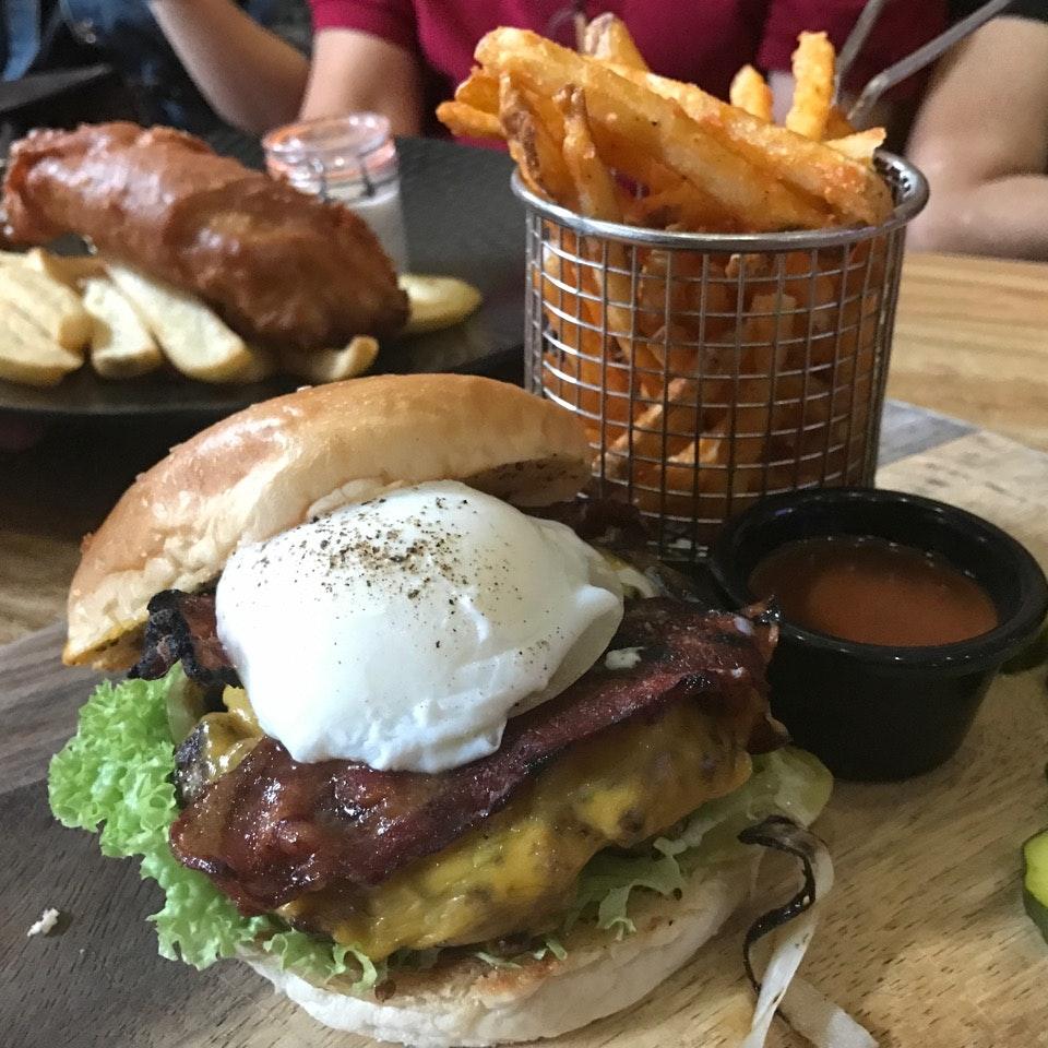 Ultimate Beef Yard Burger ($27.90+)