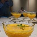 Mango Puree with Pomelo & Sago