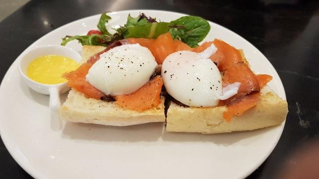 Smoked Salmon Eggs Benedict $18