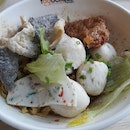 Premium fishball noodles