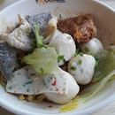 Premium fishball noodles