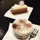 Desserts :D 🍰👍😋😋😘❤️ #thecoffeeconnoiseur #cakes #desserts