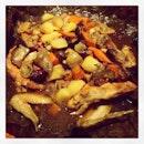 Braised Treasure Chicken in Lotus Leaf 荷叶香栗子焖鸡 #love #yummy