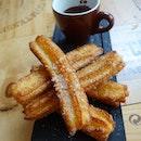 Kick-ass #Churros con Chocolat: Spanish Donut with #Chocolate Dip.