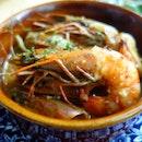 Gambas al Ajillo: Prawns sautéed in olive oil, garlic, chili flakes & parsley.