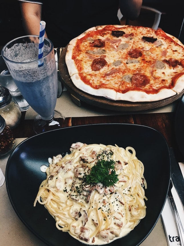 Creamy Thick Pastas And Delicious Pizza
