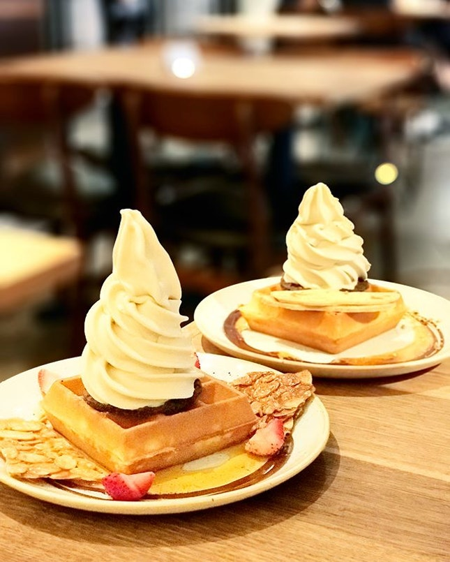 Earl Grey Lavender with Waffle | Pistachio with Waffle [S$10.70] ・ Redeemed 1-for-1 ice cream waffle deal with Burpple Beyond at @wearesunday!
