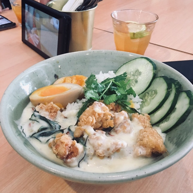 Ping's Bowl with Lemonade (RM18)