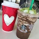 Christmas Tree Dark Mocha @starbucks 🎄🎄🎄 #starbucks #redcup #mocha #darkmocha #frappuccino #coffee #drinks #drinkporn #christmas #afterwork #weekday #burpple #burpplesg