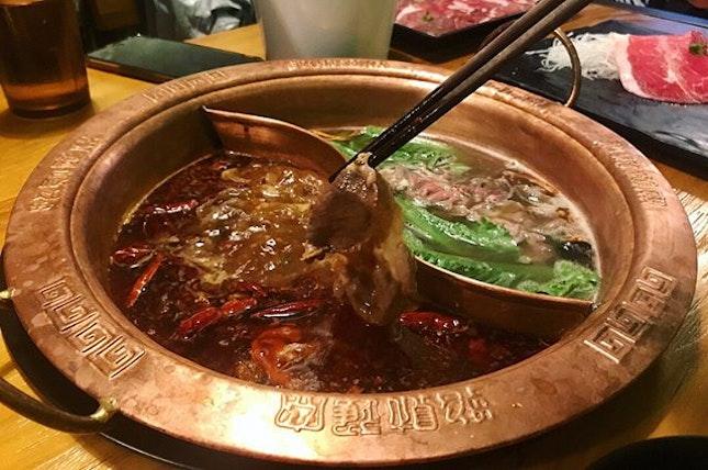 Best traditional hotpot on a rainy day 🌶️🌶️🌶️ · #hotpot #steamboat #mala #malahotpot #chongqinghotpot #chinesefood #meatlover #foodie #foodporn #foodiegram #rainyday #clarkequay #hongkongstreet #burpple #burpplesg