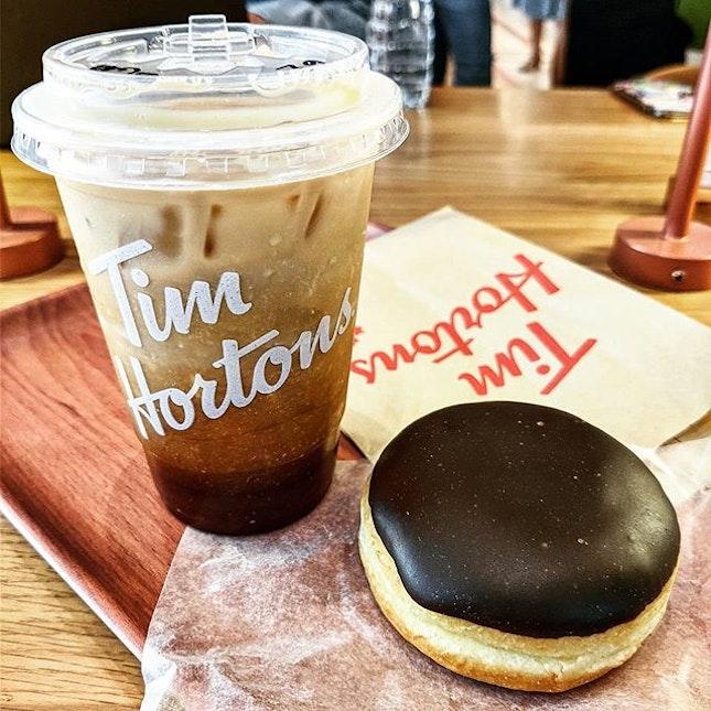 New Mall 🛍️ x New Coffee Place ☕ @ Sanyan Mitrtown x Tim Hortons : : #thailand #th #thai #bangkok #bkk #thaifood #food #foodie #foodies #burpple #foodporn #instafood #gourmet #foodstagram #yummy #yum #foodphotography #travel #travelphotography #wanderlust #mobilephotography #coffee #vanilla #coldbrew #donuts #timhortons #samyanmitrtown