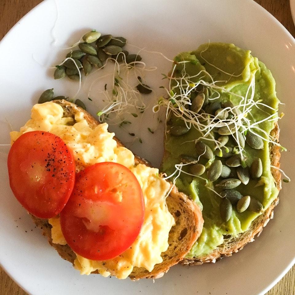 Guac & egg