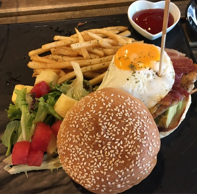 The Club Burger