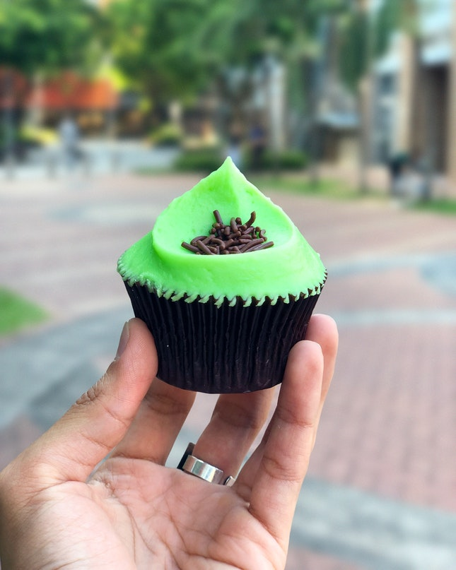 Chocolate Mint Cupcake (Reg, $4.50)