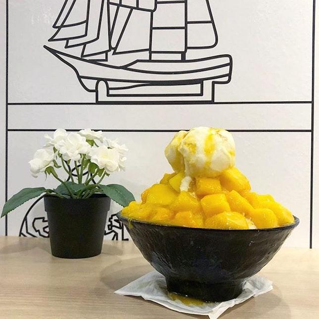 Mango with Ice Cream Bingsu (Yoghurt Base)