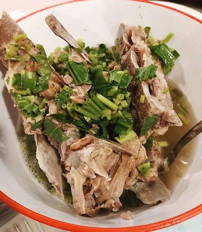 #hmfoodsteps📍bkk My fave Leng Zabb, spicy pork ribs with really tender meat 😍 我最愛的火山排骨啊啊~ 肉超級嫩,排骨湯酸辣酸辣的很下飯😋