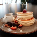 The fluffiest pancakes award goes to Twenty Eight Cafe's Berrilicious Pancakes!!