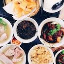 肉骨茶 w @daddca @chipsoon @treelon @mavisweeweet 🐷 #throwback #latergram #lunch #bakkutteh #onthetable #food #foodgasm #foodie #foodstagram #foodreviewsg #foodphotography #foodtographyblog #vsco #vscom #vscofood #burpple #instafood
