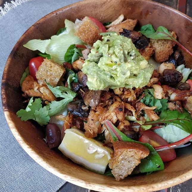 Mexican Chicken Salad (16+) I only order this because you can't order a portion of sourdough croutons on its own at @thehangarsg.