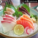 #Repost @mightyfoodie ・・・ Sashimi at Sushi Tei.