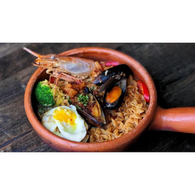 | 🍲 Premium Thai Claypot Noodles !...