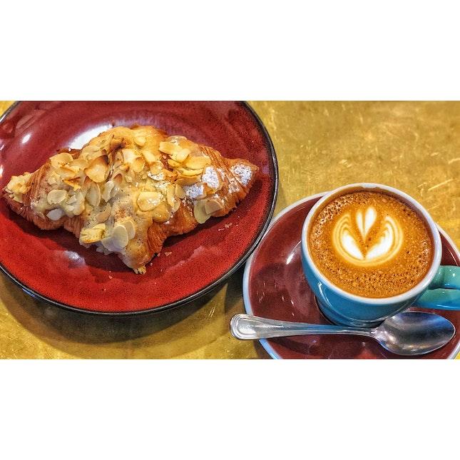 · ☕️ Coffee Plus Croissant 。...