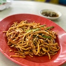 Mee Goreng When I heard that this stall sells a mean mee goreng, I was skeptical, as this place is famous for black pepper crab.