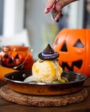 Halloween Special Lava Cookie 🔻 Creamery Cookie has jus launch their Halloween only Lava cookie!