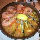 Seafood paella with prawns, mussels, squid and fish - pretty average everything including the dry grains of rice.....I prefer the squid ink one that I had a couple of years back.