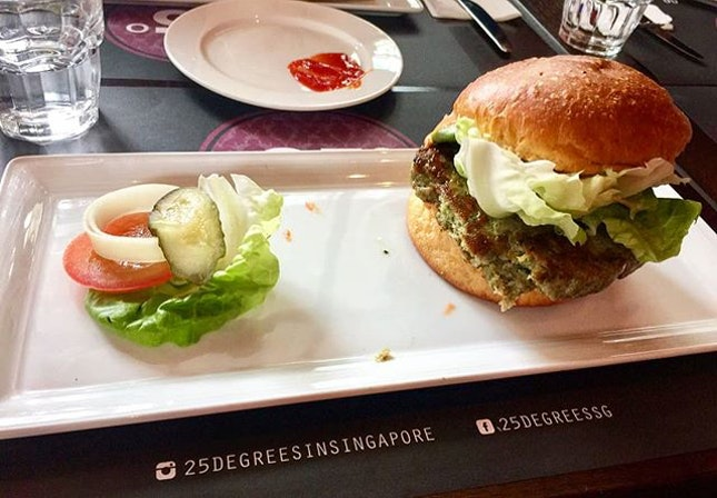 [New Post up on Blogsite] 👉 click active link in bio to find out more about 25 Degrees Burger Bar @ G Hotel.