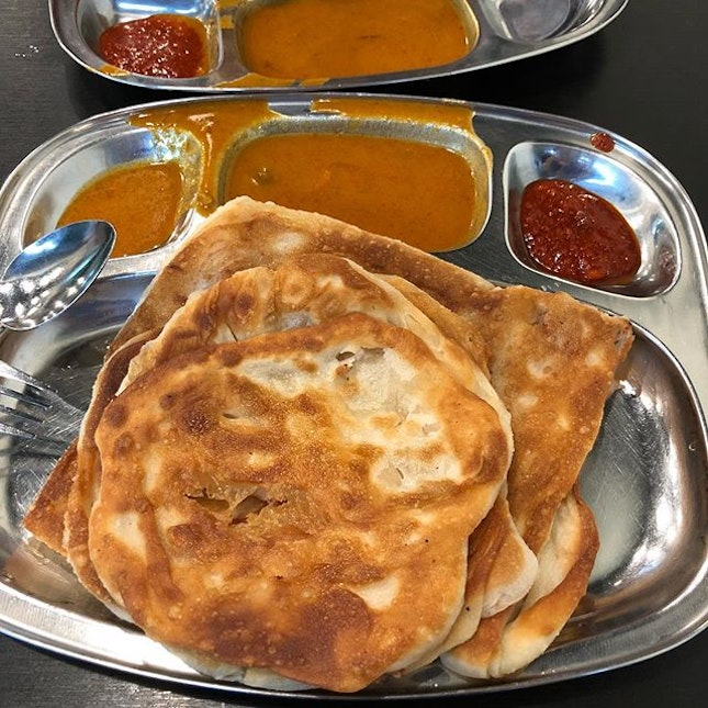 The Prata house along Thomson Rd can claim to be the best crispy prata.