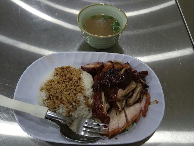 Danggui Duck Rice (4.5nett)+Char Siew (2nett) +Roast Pork (2nett)