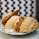 This pork bun is simply satisfying - crispy bun with fried pork chop that is not too dry and has a nice texture.