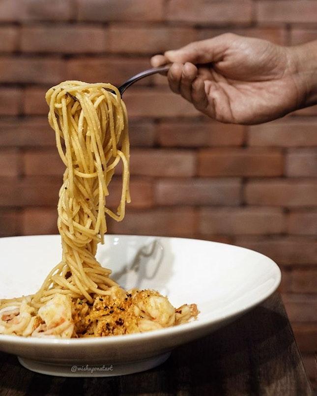 Gambas Aglio Olio Spaghetti (S$22).