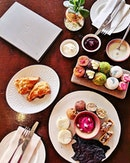Sunday Hightea Session with @jennifer_yee love the croquettes and scones most...