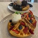 Yuan Yang & P&J waffles with Ice Cream