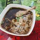 Herbal duck soup noodle.
