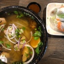Chick Pho + Classic Pork & Prawn Rice Paper Set ($15++)