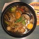 Claypot Vegetarian Yee Mee