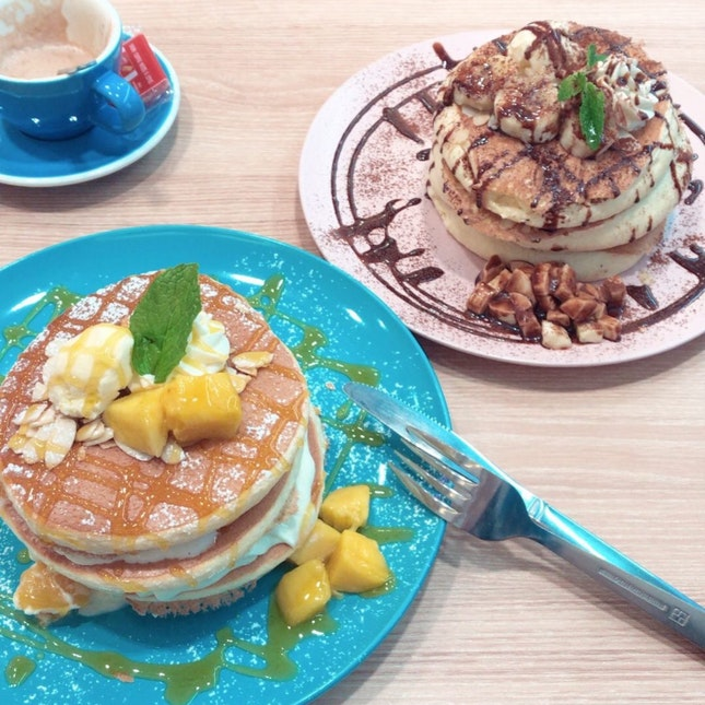 Mango + Chocolate Banana Pancake