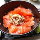Salmon Sashimi Don ($15) 🐟 .
