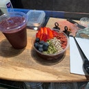 Açaí Bowl And Smoothie